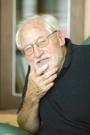 Tone Pavček (29. 9. 1928 – 21. 10. 2011)